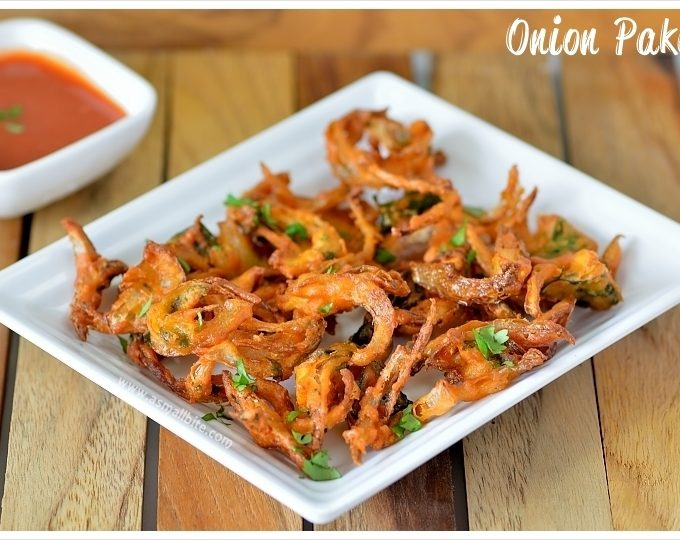 Onion Pakoda Recipe | Vengaya Pakoda Recipe
