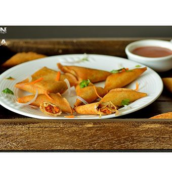 Mini Onion Samosa | Samsa Recipe | South Indian Onion Samosa