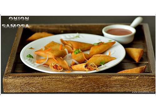 Mini Onion Samosa | Samsa Recipe | South Indian Onion Samosa