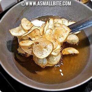 raw banana chips calories
